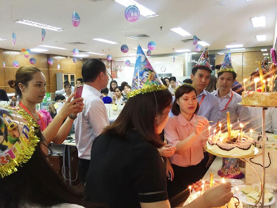 Đầm ấm bữa tiệc sinh nhật cho nhân viên tại Phú Quý Land