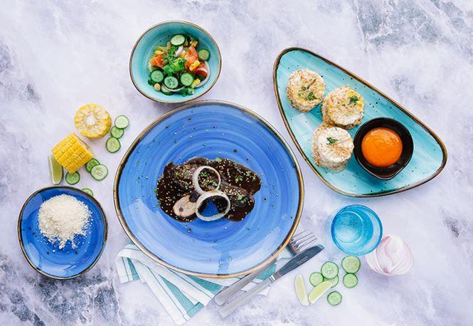 Ẩm thực đa dạng, phong phú lấy cảm hứng từ khắp nơi trên thế giới là một điểm cộng dành cho Cocobay. Trong ảnh là set món ăn theo phong cách Mexico