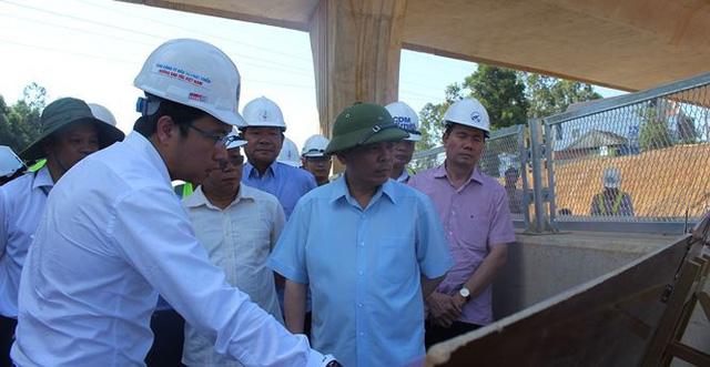 """Không thể cứ """"dây thun"""" tiến độ cao tốc Đà Nẵng – Quảng Ngãi"""