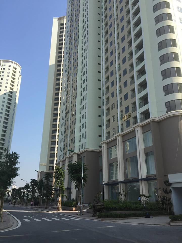 Đường nội khu dự án đã được chủ đầu tư trang hoàng, vệ sinh rất sạch đẹp để đón chào các hộ dân về sinh sống