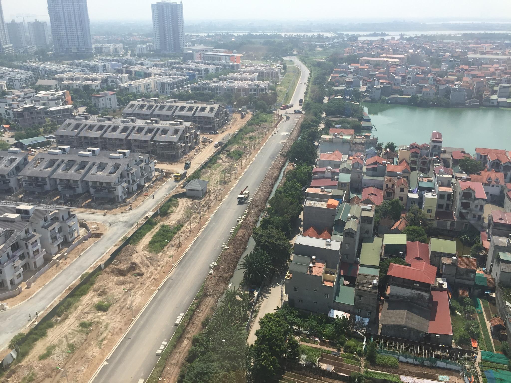 Hệ thống đường giao thông kết nối dự án với các tuyến đường lớn như đường Minh Khai - Vĩnh Tuy - Yên Duyên đang sắp hoàn thành. Cùng với đó, các tuyến đường Tam Trinh, Lĩnh Nam đang được mở rộng kết nối với  vành đai 2 và vành đai 3 sẽ tạo thuận lợi cho người dân đi lại theo các hướng trong thành phố.