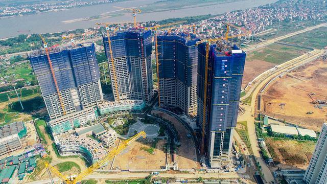 Với tiến độ thi công khẩn trương, Sunshine City hiện là một trong số dự án bất động sản đắt giá tại khu vực Tây hồ Tây.