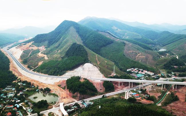 Quảng Ninh: Tháo gỡ khó khăn, đẩy nhanh tiến độ thi công cao tốc Vân Đồn – Móng Cái