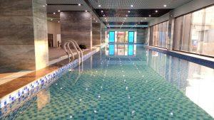 Bể bơi của toàn nhà.