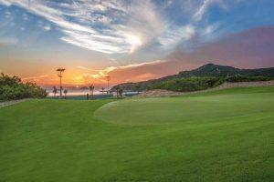 Sân Golf 36 lỗ đẳng cấp quốc tế.