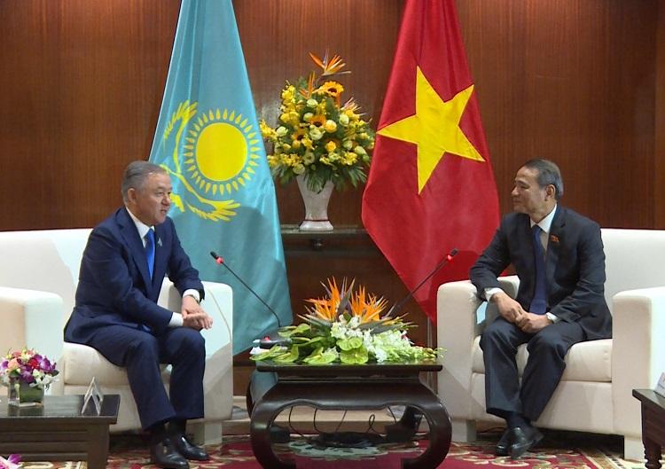 Chủ tịch Hạ viện Kazakhstan thăm và làm việc tại Đà Nẵng