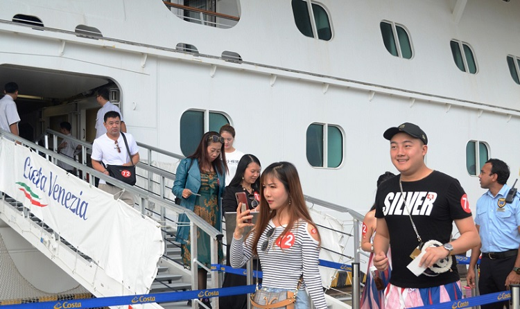 Hơn 5.200 khách đến Đà Nẵng bằng tàu biển