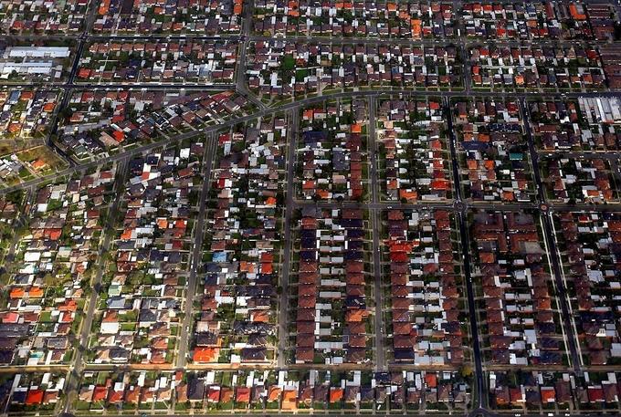Các căn nhà tại ngoại ô Sydney (Australia). Ảnh:Reuters